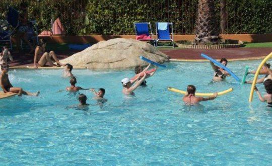 Mas de Pierredon - Camping-met-Zwemparadijs