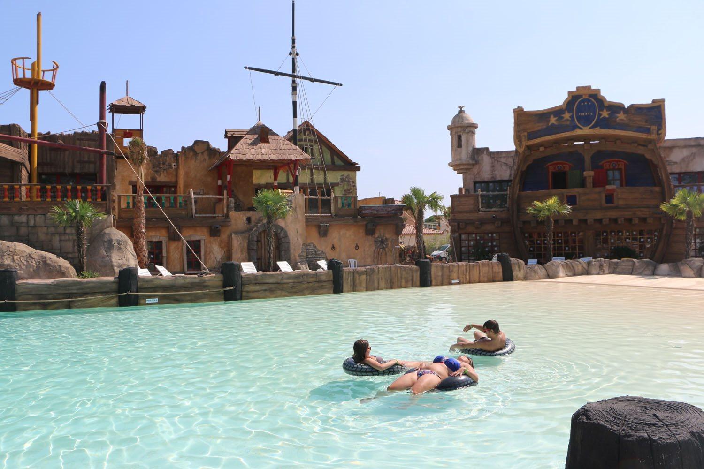 Les Sables d'Or, zwembaden met speeltoestellen