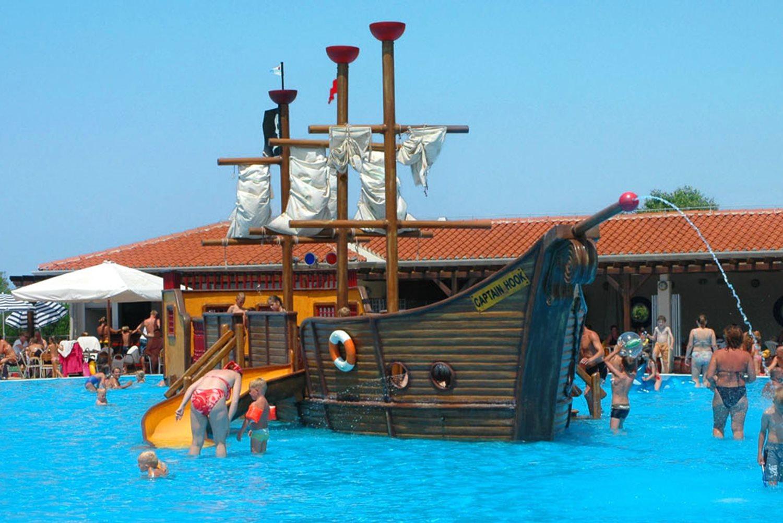 Park Umag, zwembaden met speeltoestellen