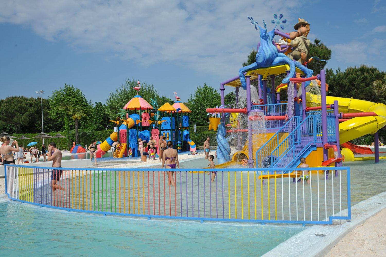 Union Lido, zwembaden met speeltoestellen
