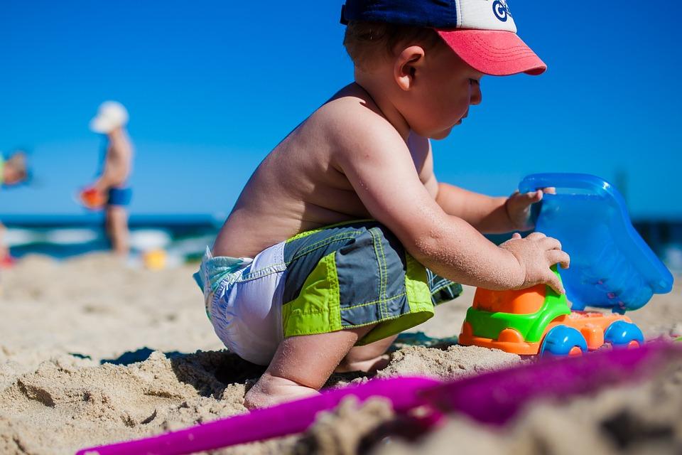 Kleding - vijf tips om je kind te beschermen tegen de zon